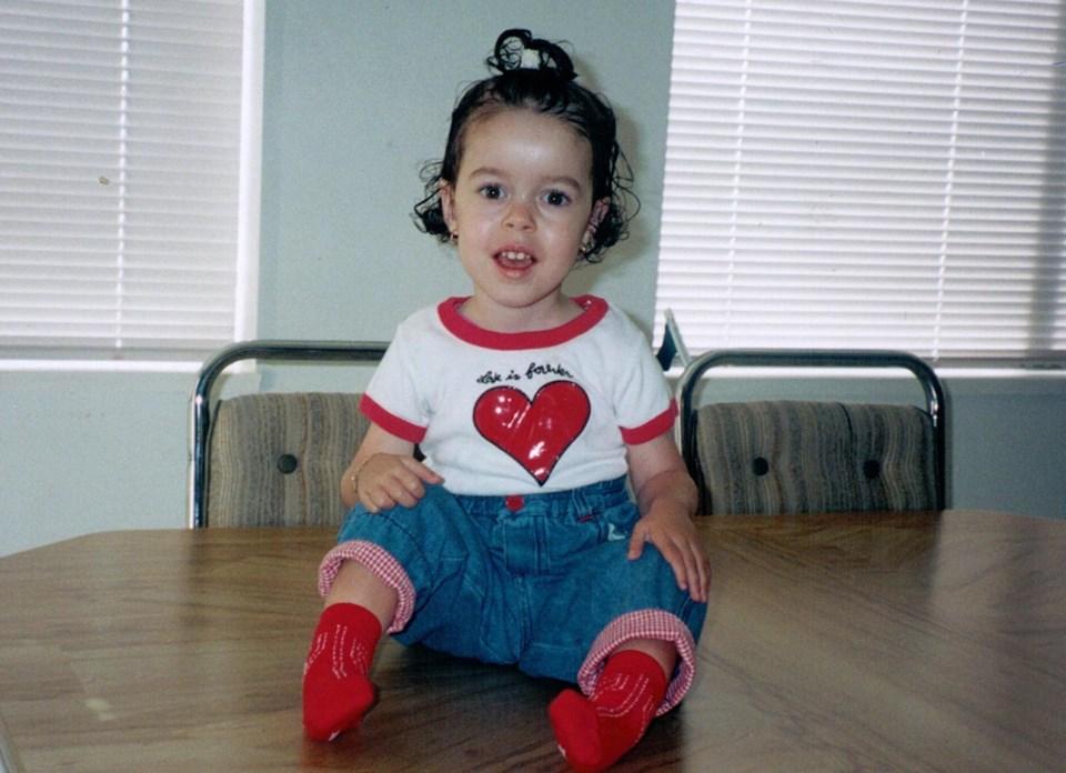 Alisa Gil Silvestre as toddler