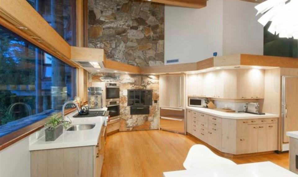 Bowen Island estate kitchen