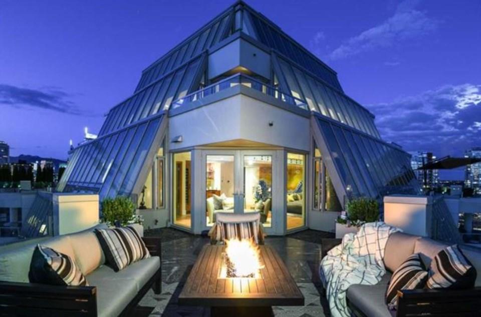 Harwood penthouse terrace