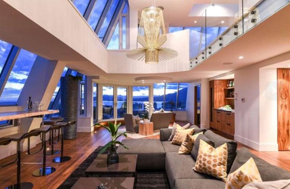 Harwood penthouse living views