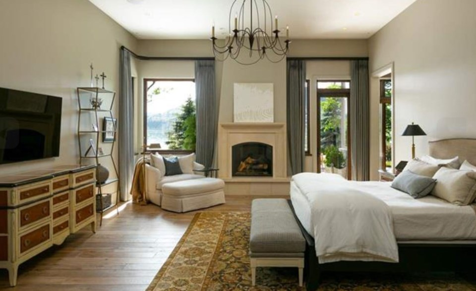 Kalamalka lake house master bedroom
