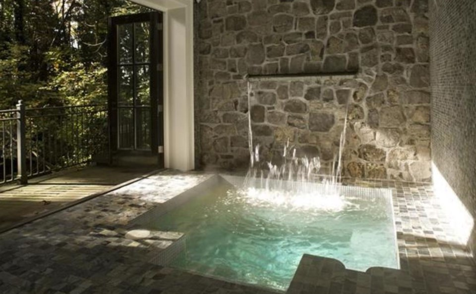 Southlands forest house spa plunge pool