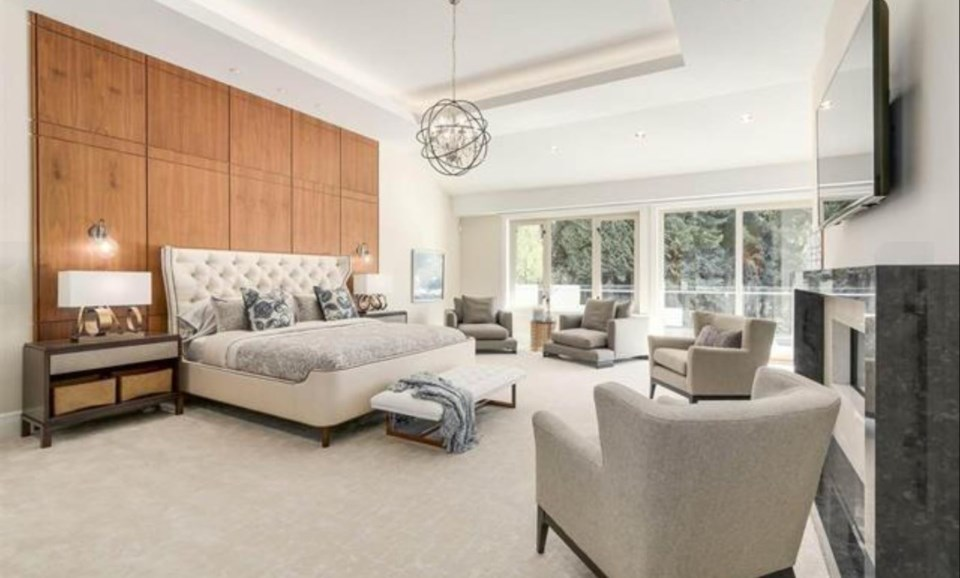 Chartwell most expensive house master bedroom