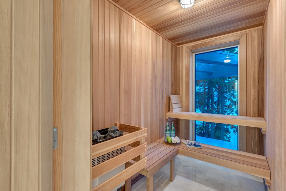 4580-Marine-Drive-West-Vancouver-sauna
