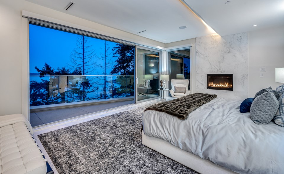 4580-Marine-Drive-West-Vancouver-master
