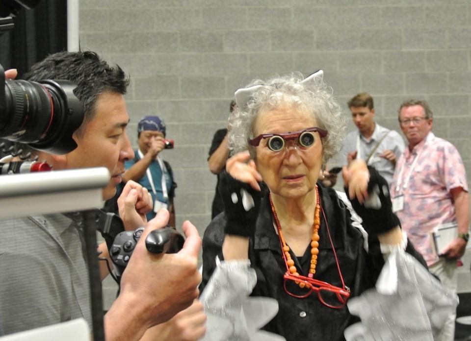 Margaret Atwood Kabuki glasses