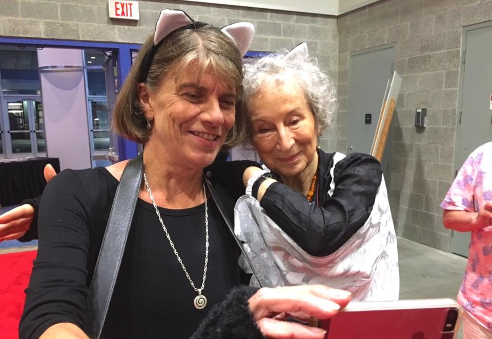Margaret Atwood and Sarah Cooper selfie