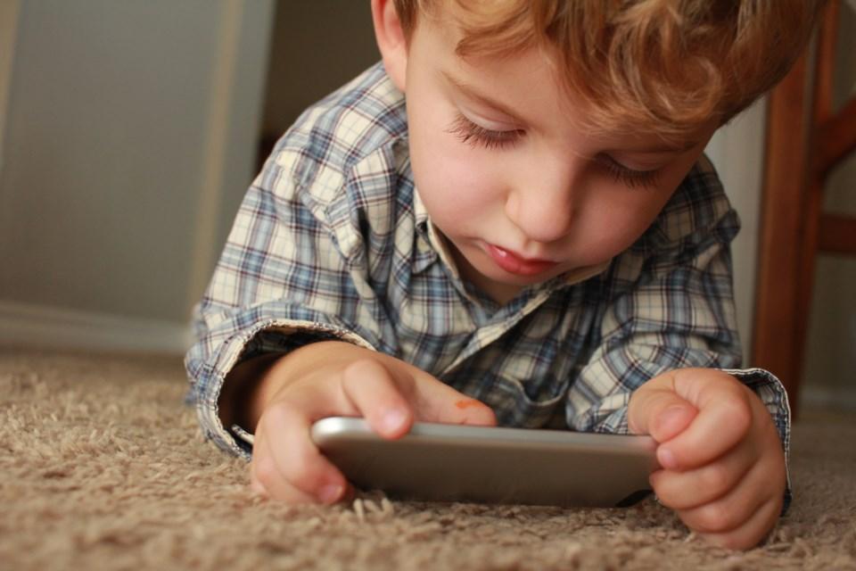 technology, child, smartphone