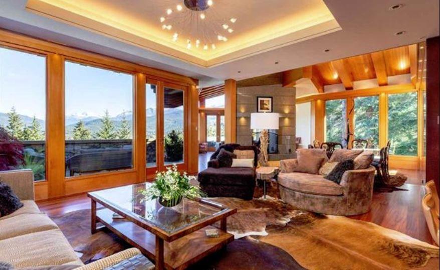 Whistler cliff mansion living