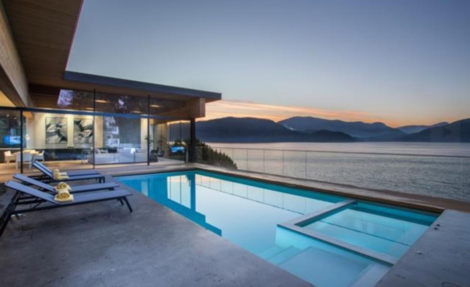 West Vancouver Modernist house main pool