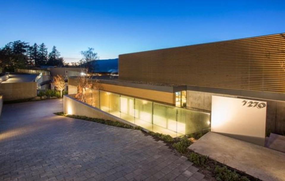 West Vancouver Modernist house exterior