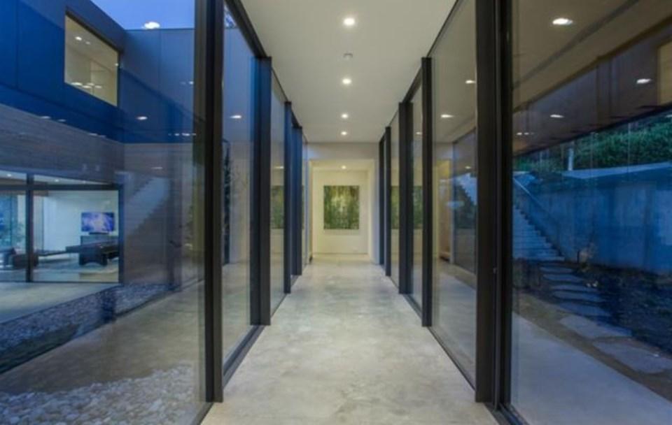 West Vancouver Modernist house main glass corridor