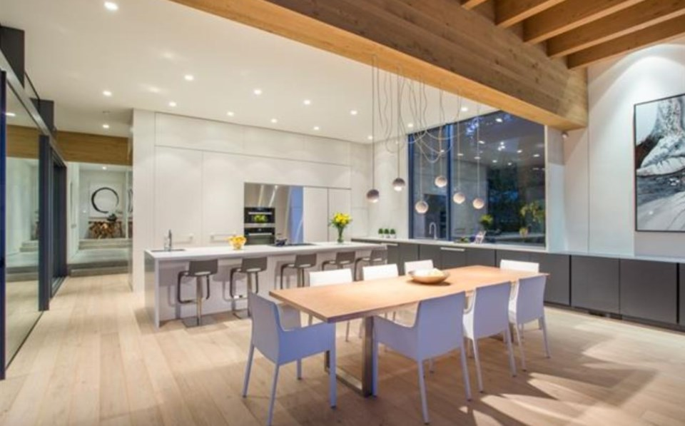 West Vancouver Modernist house dining kitchen