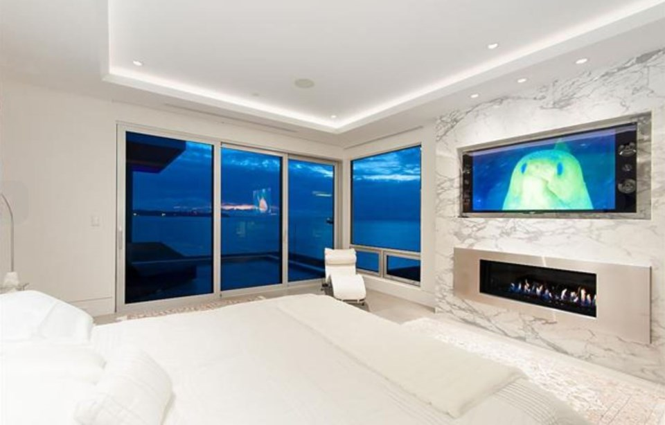 West Vancouver Marine Drive house master bedroom