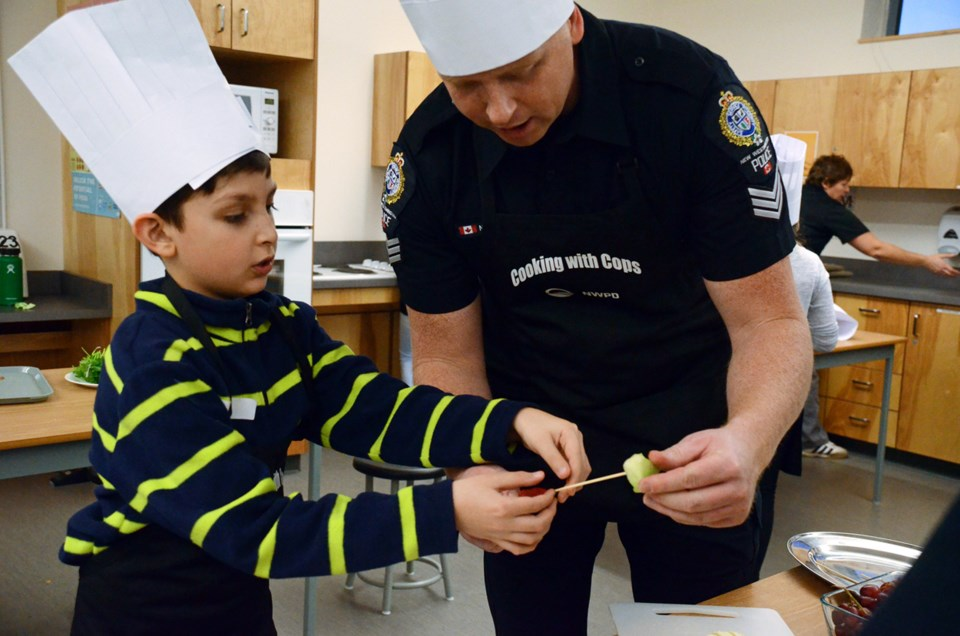 Kids and cops cook up good vibes in New Westminster_1