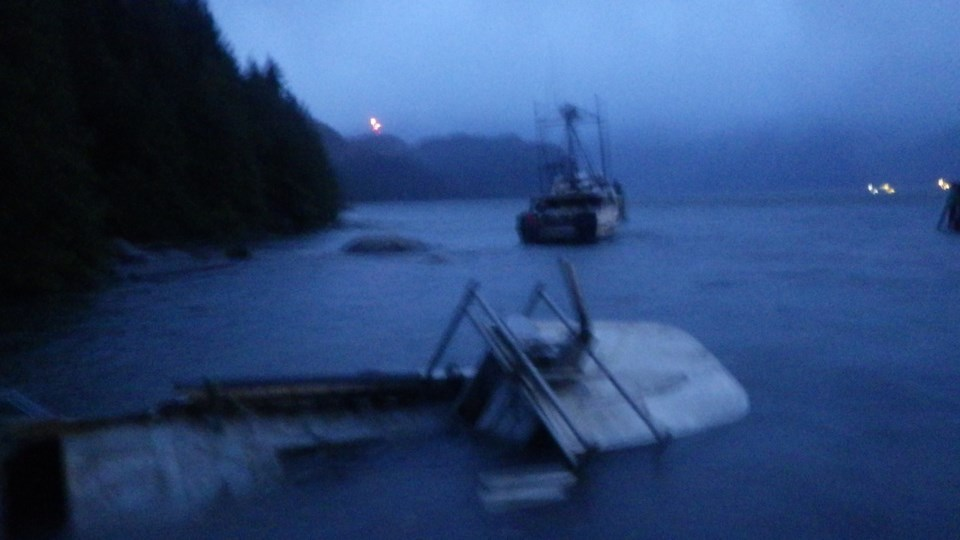 Boats take a beating at Darrell Bay_0