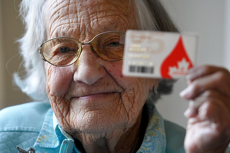 How could you not want to photograph the lovely face of this energetic 95-year-old blood donor!