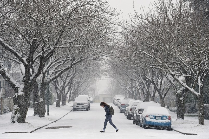With temperatures dropping, parts of Metro Vancouver could see rain turning into snow on Tuesday. Ph