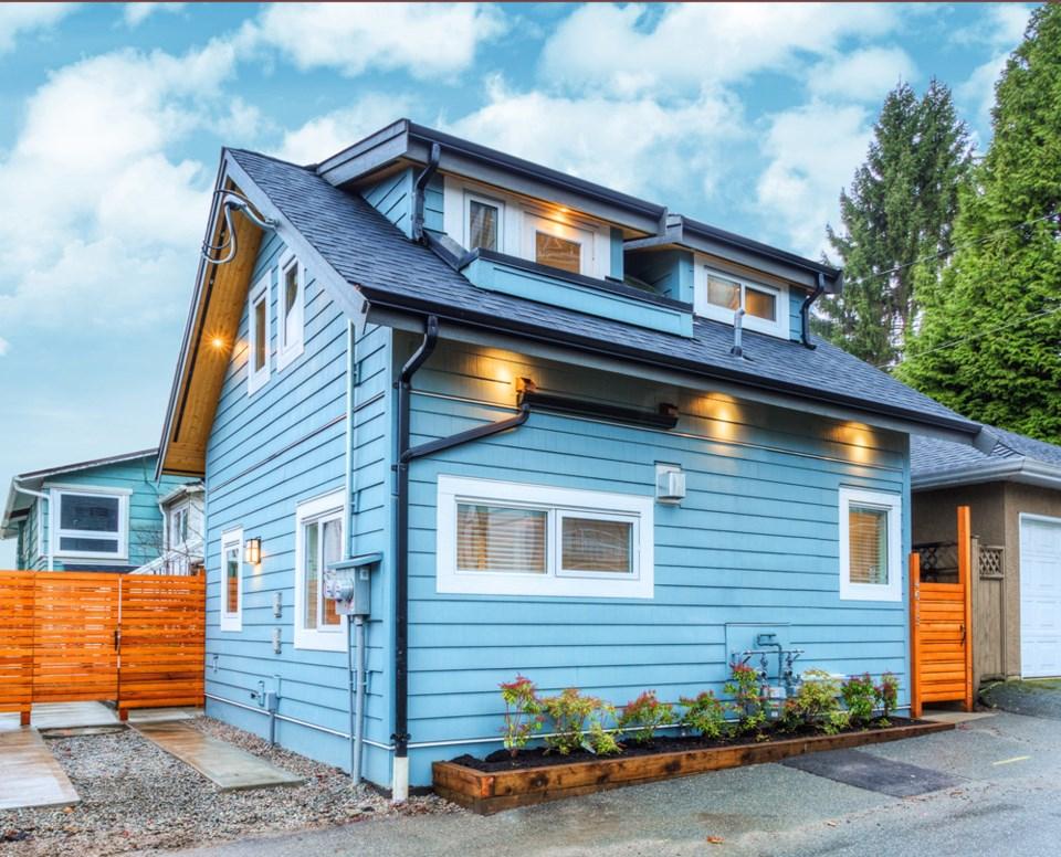 MyLaneHome Fraser Vancouver blue laneway home