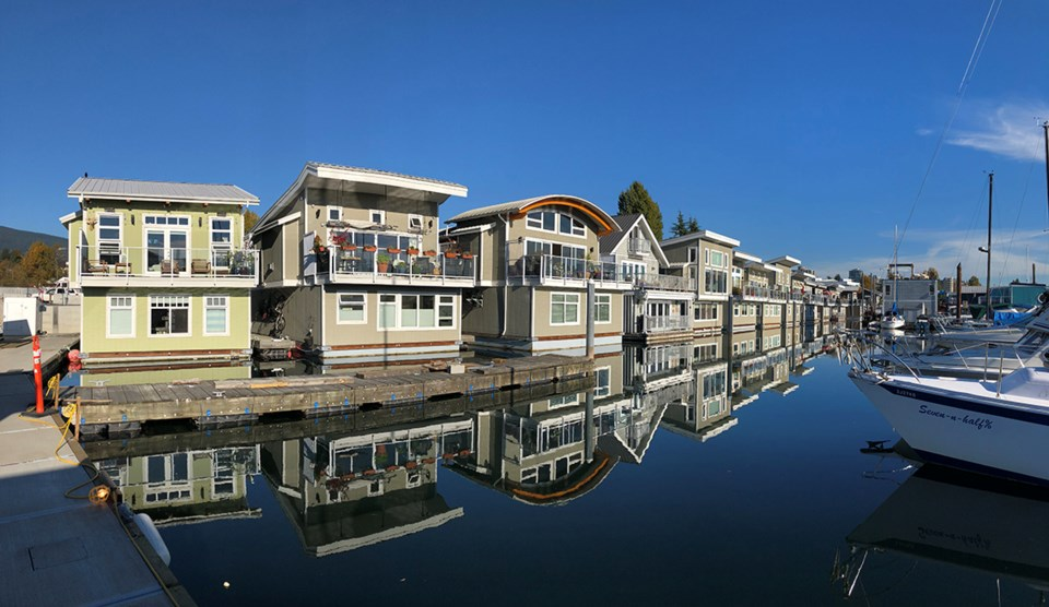Float homes North Vancouver Mosquito Creek Marina