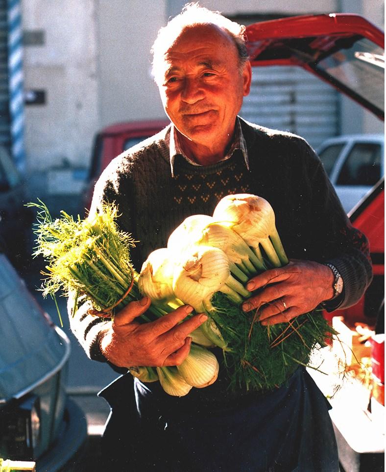 EICHE-fennel farmer crop