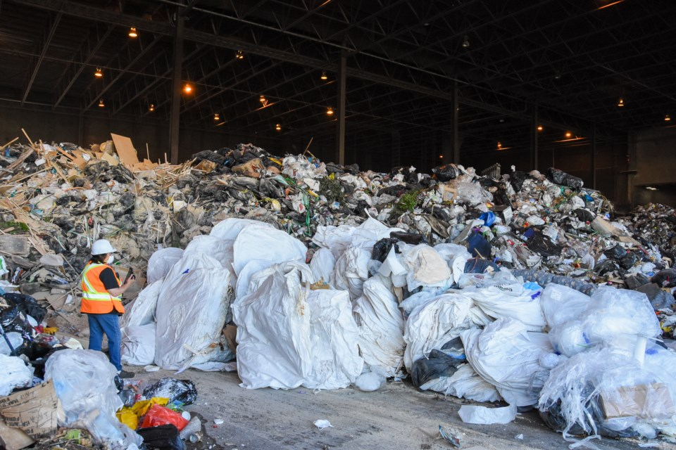 Plastics the sexy topic, but Metro looks to organics for big gains_2