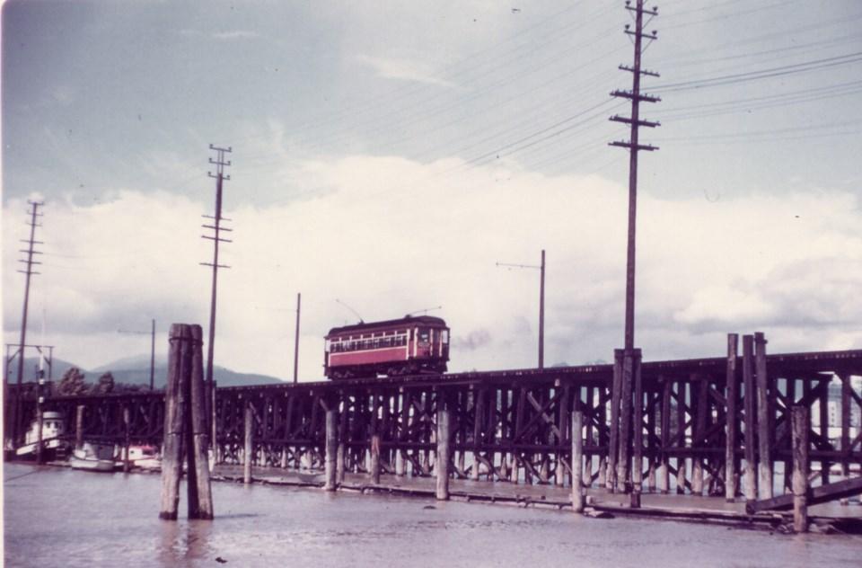 tram richmond-vancouver