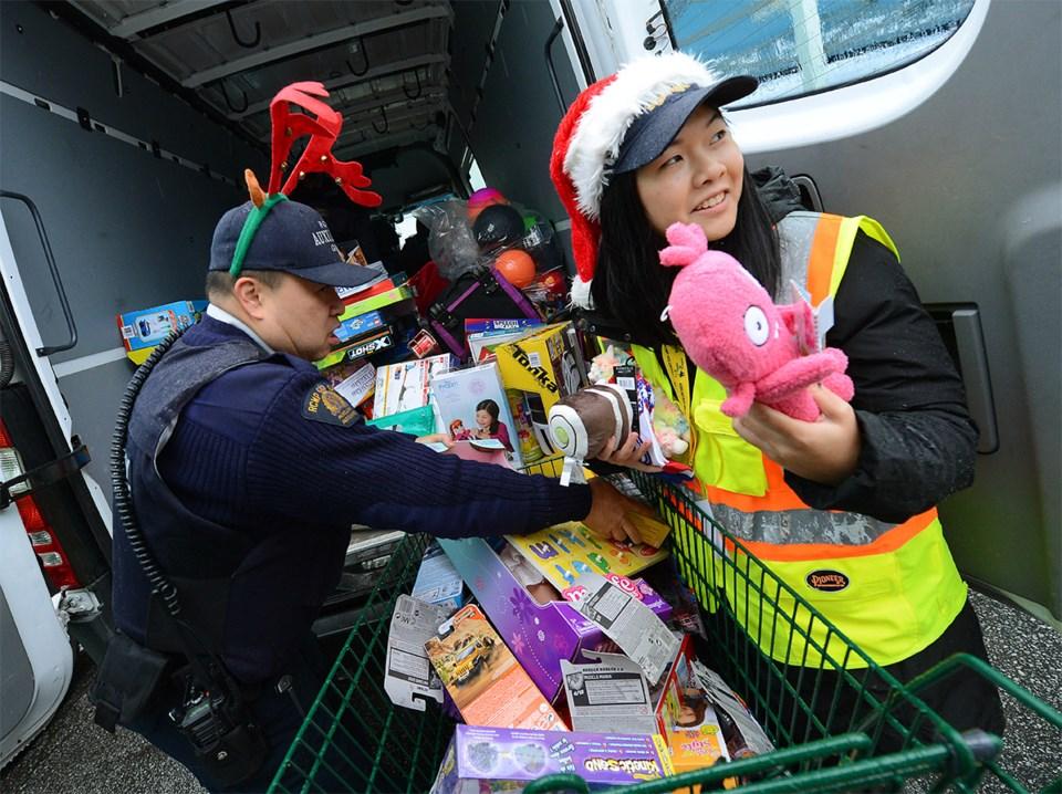 Photos: Richmond RCMP host annual toy drive for Christmas fund _0