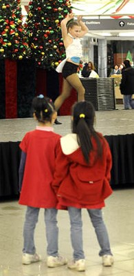 Contortionists and dancers from Abbotsford Dance Centre, a starting point for most future Cirque Kids performers, put on a show Saturday night at Lansdowne Shopping Centre. The show of strength and agility had the audience enthralled for three shows.