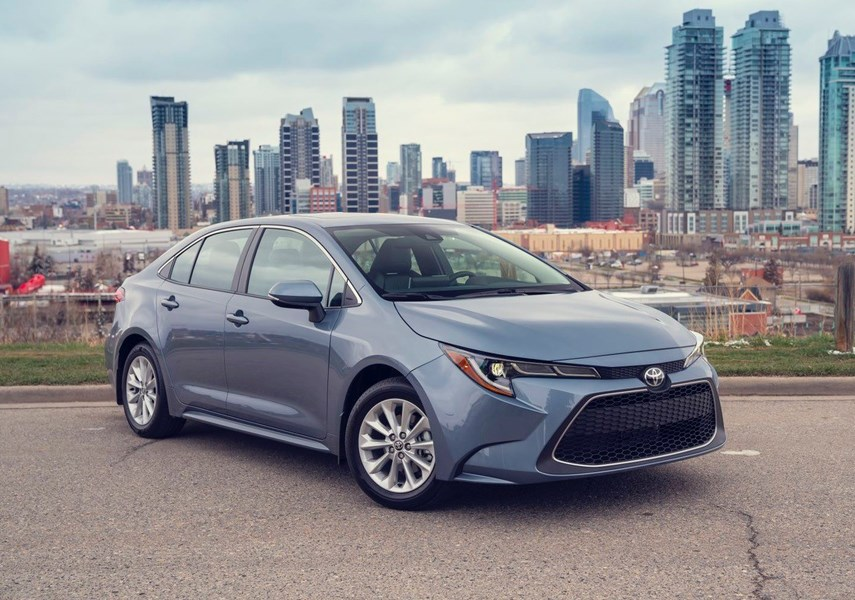 REVIEW: Toyota Corolla joins the bold and the beautiful_0