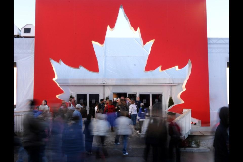 Molson Canadian Hockey House. Photo Dan Toulgoet