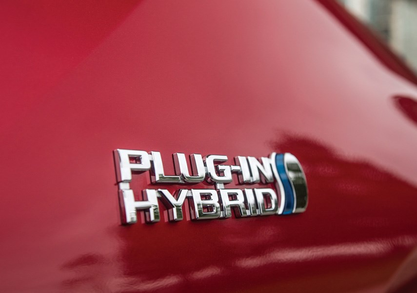 CLEAN DRIVING: Here's to choose between hybrids, EVs and PHEVs_0