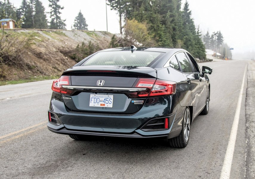 CLEAN DRIVING: Here's to choose between hybrids, EVs and PHEVs_1