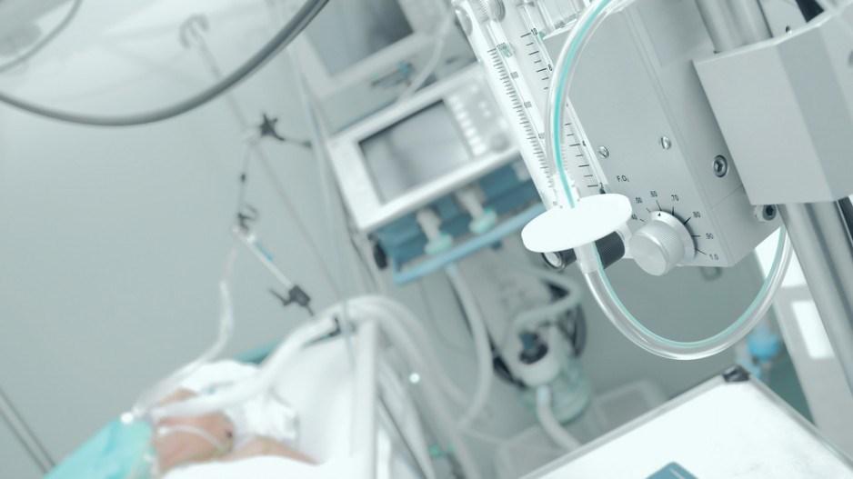 patient-ventilator-sfamphoto-shutterstock