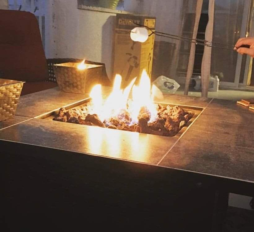 Fire pit fire table