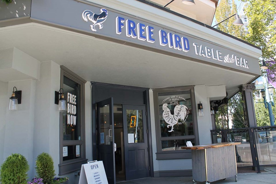 Free Bird Table and Bar