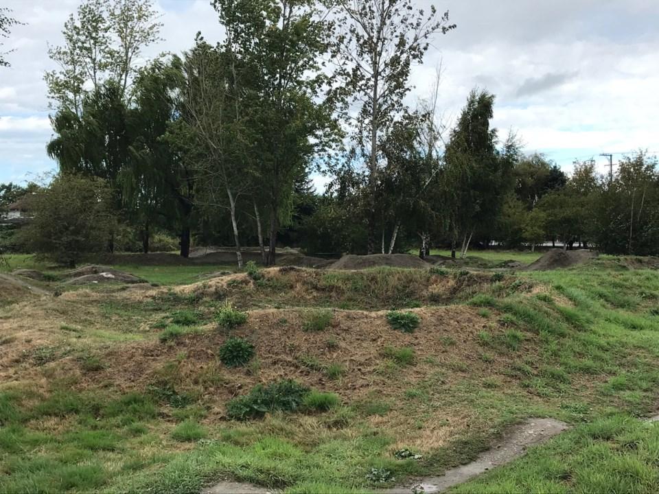 holly park bike track