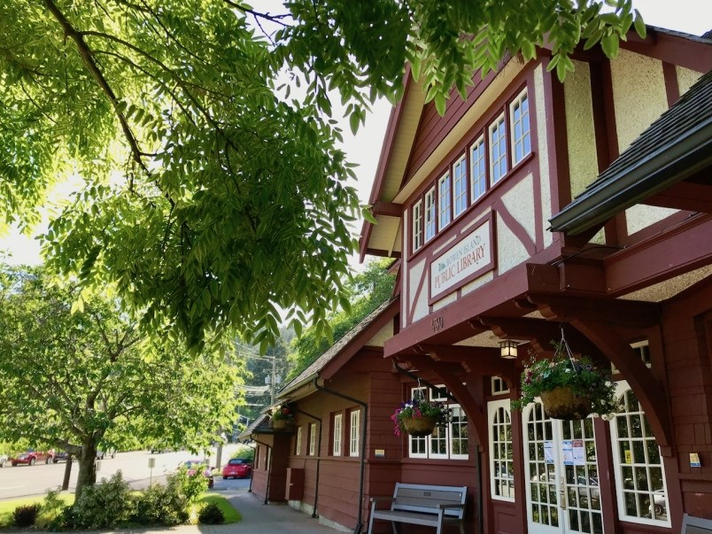 Bowen Island Library exterior