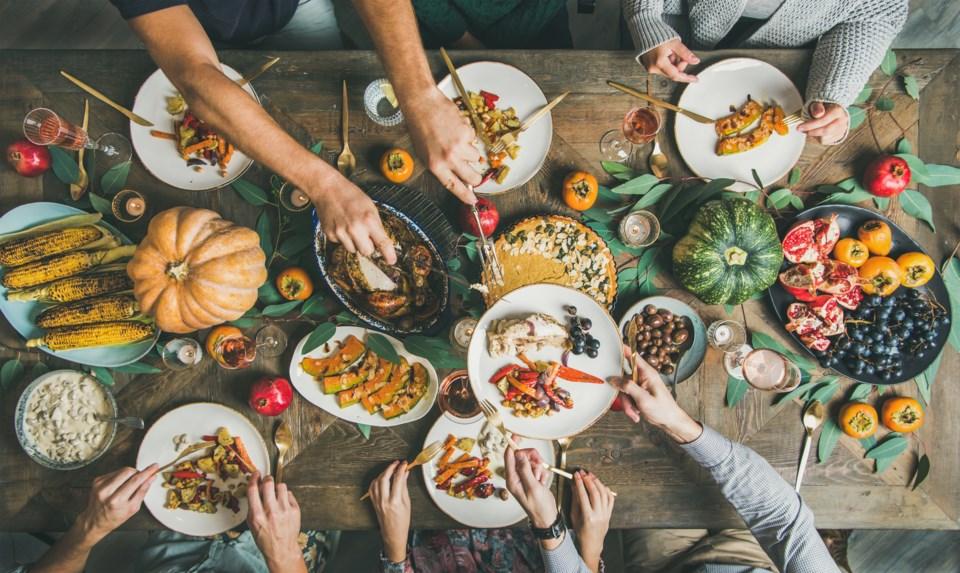 family dinner, Thanksgiving