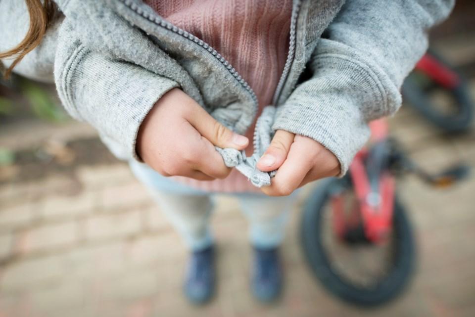 child, zipper, coat