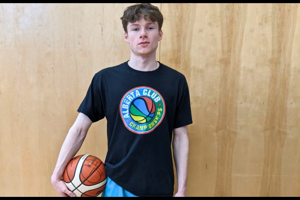 Gryphon Talbot has signed with the Olds College mens basketball team for the 2021-22 season.