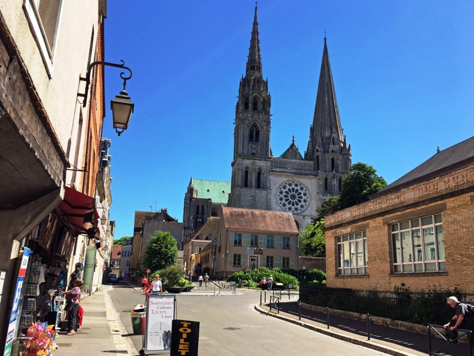 Travel: Day tripping from Paris: Our Lady of Chartres_0