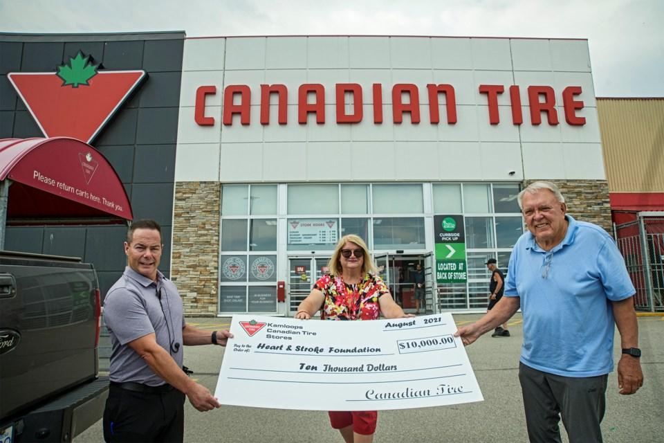 Canadian Tire-Aberdeen cheque-Heart-Stroke HORIZ.jpg