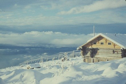 A January 1955 photo of Hi-View Lodge