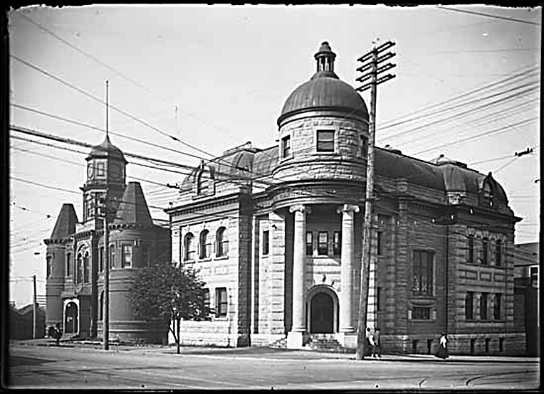 The Carnegie Library at the south west corner of Main and Hastings Streets in 1904, a year after it opened. Photo courtesy Philip Timms, Vancouver Public Library 3424.