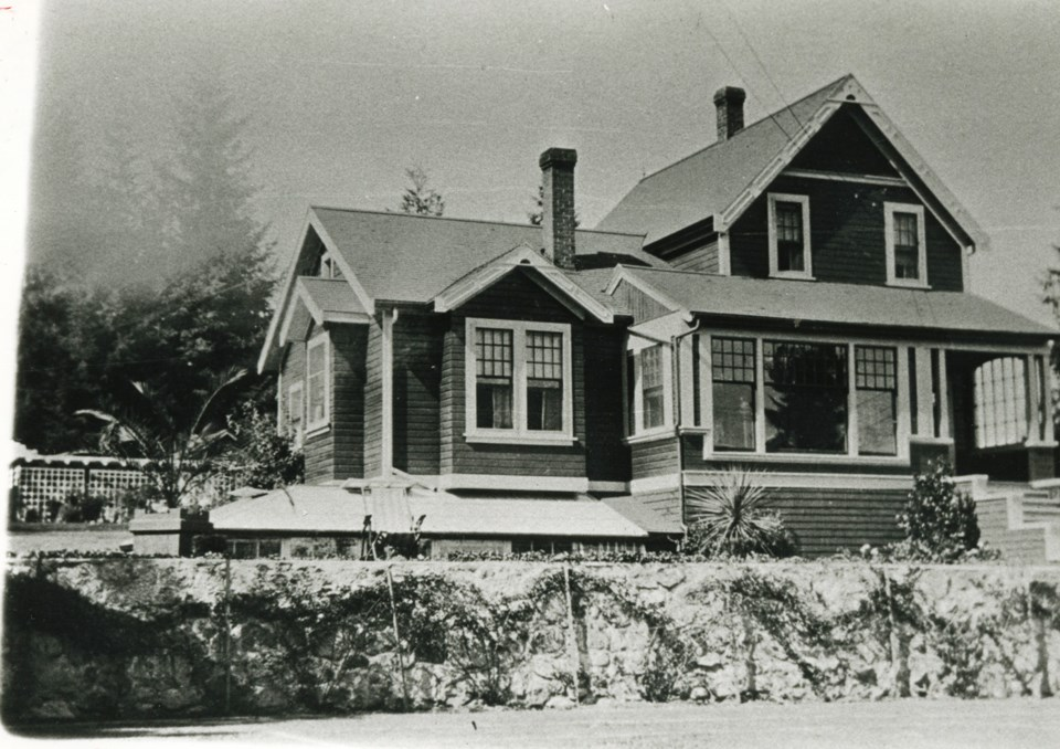 Shaw house archival photo