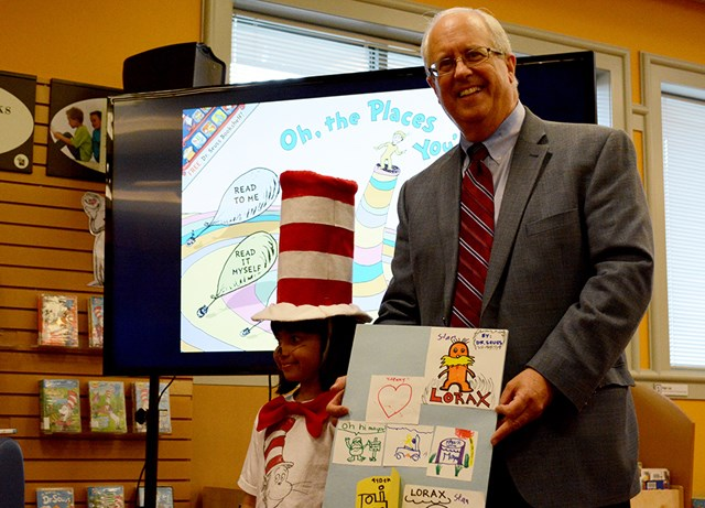 Brodie-library-Seuss