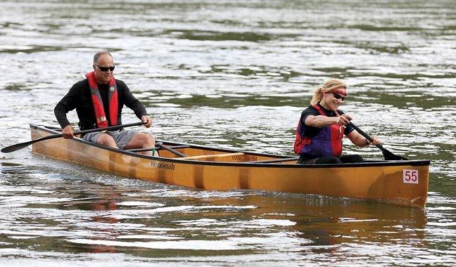 SPORT-canoe-race-mishaps.jpg