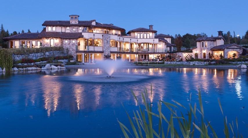 Tuscan reflections pond