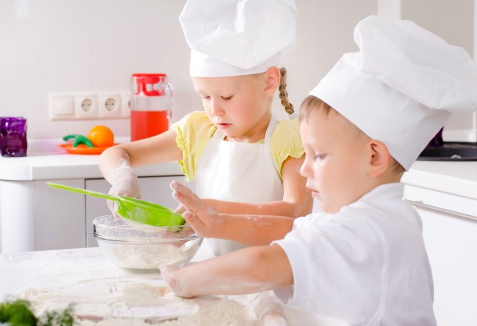 kids' cooking, iStock